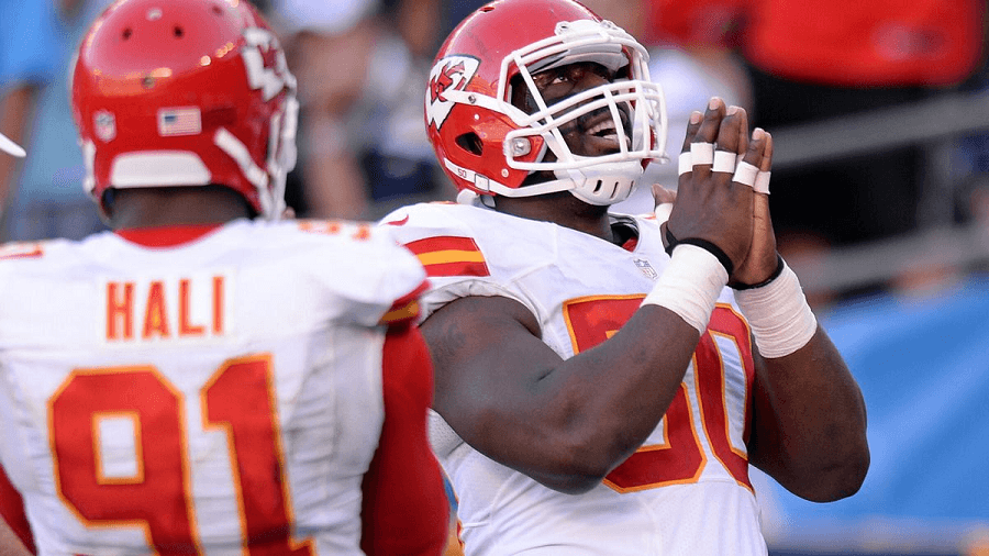 Fellow linebackers Tamba Hali and Justin Houston could cause some serious damage to Houston's O line.